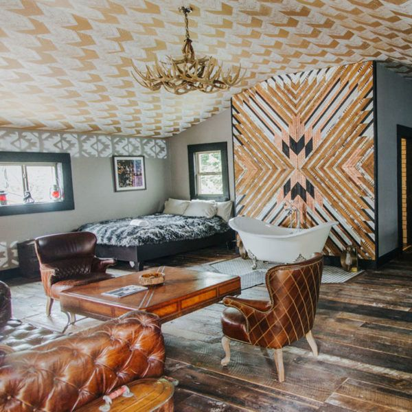 The Lodging Scene - Urban CowboyLocated in a Victorian mansion in East…