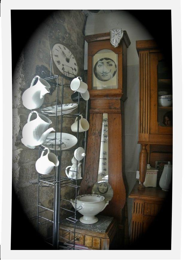 Horloge comtoise relook e et tourniquet vaisselle - Meuble cabinet de curiosite ...