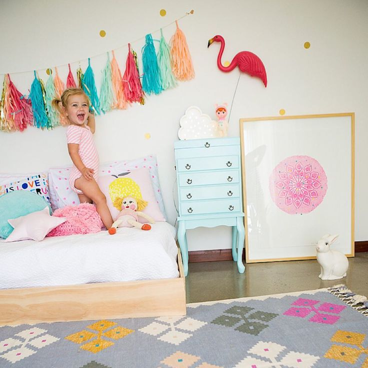 Don't you love a happy bright children's room ? Our cloud night light looks just right