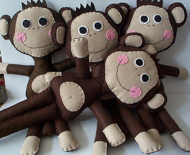 felt monkeys!!