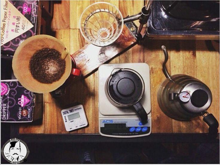 #jokokopi #v60 #manualberw #singleorigin #semarang #ungaran #jakulsemarang #jakulungaran #nongkrongungaran #visitungaran #kopiin #kopiinindonesia #tukangkopi #kopiungaran #kopisemarang #brew #with #heart #pour #over #happiness #exploreungaran #blackcoffee #kopiin #kopiinsemarang #kopiiinindonesia
