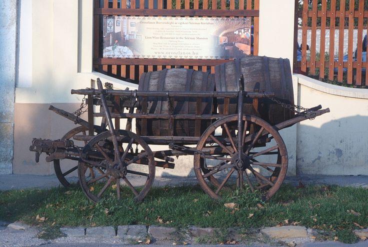 #chariot #barrel #traditional