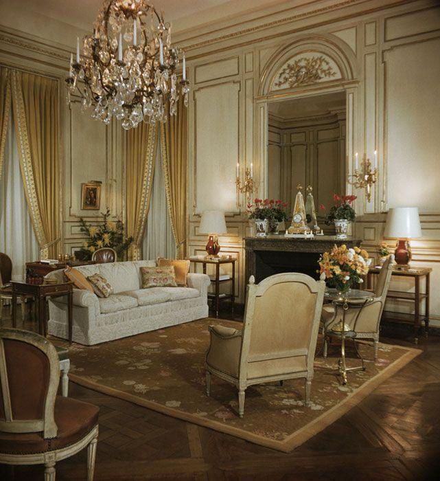 Les 902 meilleures images du tableau chateau living sur for Classique ideas interior designs inc