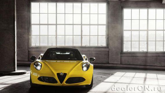Alfa Romeo 4C Spider / Альфа Ромео 4С Спайдер 2015 с открытым верхом – вид спереди