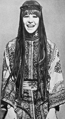 """Rita Lee: """"Sempre vivi na fantasia"""", diz rainha do rock sobre o universo visual de seus 50 anos de carreira   Virgula"""