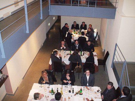 """""""Arrivano al Palazzo Petrucci, in una notte gelida e chiara, per la gran cena di quaranta tra più noti chef della regione e del Sud Italia, con il consueto fare antico di sempre: semplice e un po' dimesso. Si affidano alle cure del padrone di casa, lo chef Lino Scarallo, scintillante Stella Michelin del capoluogo, che li prepara per l'uscita pubblica. """" Luciano Pignataro 2009 #foodporn # yum"""
