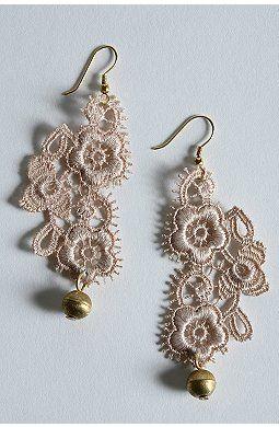u-o-lace-drop-earrings-1