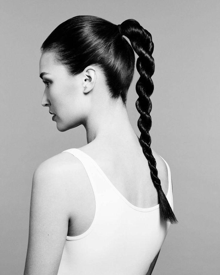 11.El efecto retorcido del pelo también aparece en coletas como esta