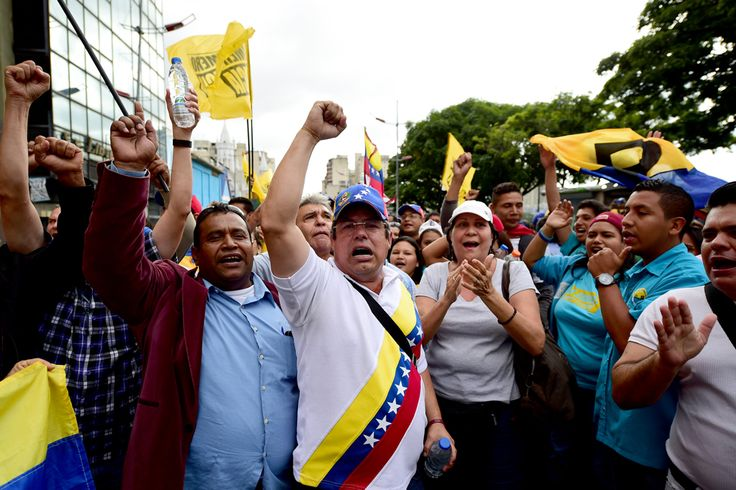 Venezuela: sull'orlo di una crisi di Stato (2016)