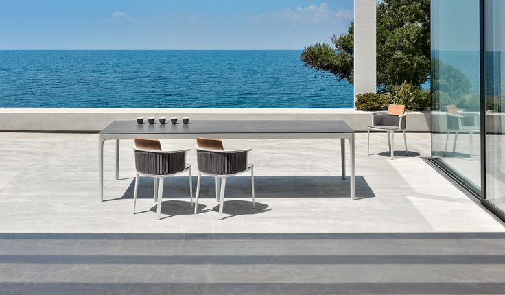 Play is a family of square and rectangular tables with essential design, contemporary character and harmonious geometry. Play tables offer the chance to play with the sizes and varieties of materials that make up the top: painted aluminium, natural, porcelain tile with a stone effect or a special textured finish.  Link: goo.gl/UQBDJF  #ethimo #outdoor #design