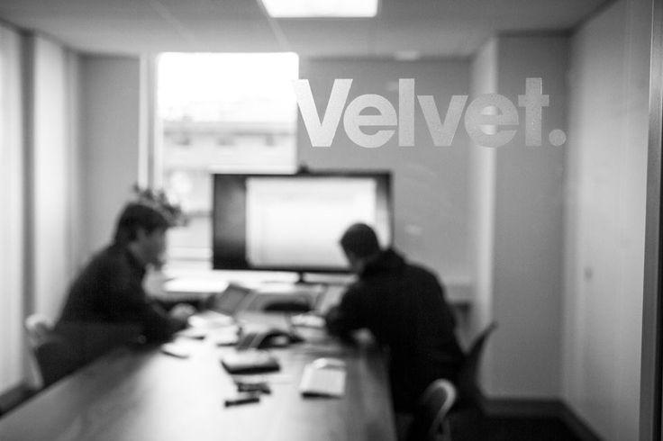 Meeting room names are on windows      https://scontent-b.xx.fbcdn.net/hphotos-xap1/t1.0-9/1623575_10152247335714612_1726309903_n.jpg