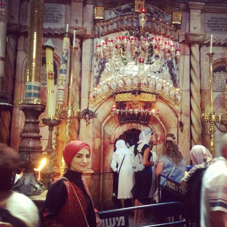 church of holy sepulchre from inside