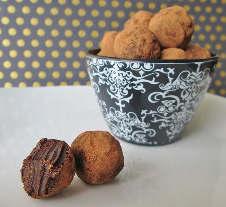 Little Belgian Truffles: An Agatha Christie Dessert- These easy homemade Belgian truffles are our tribute to Hercule Poirot's love for chocolate!