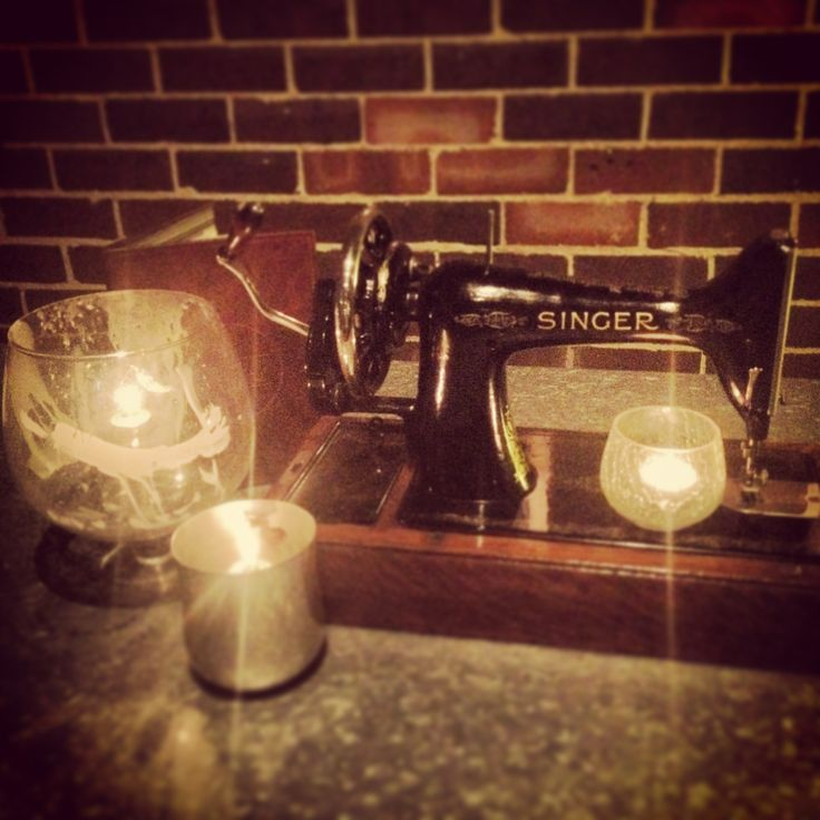 Think this sewing machine is a bit random? It's a feature at The Shirt Bar in Sydney. We think it's pretty damn cool.  Click to read our review on the liveeverylastminute Blog.
