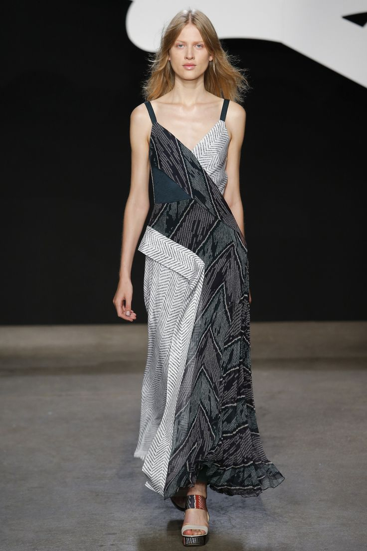 ADEAM Spring 2016 Ready-to-Wear Collection Photos - Vogue  Great collection, but the runway diversity is not strong at all  http://www.vogue.com/fashion-shows/spring-2016-ready-to-wear/adeam/slideshow/collection#7