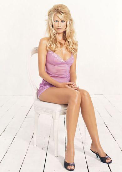 Клаудиа Шиффер в рекламной кампании нижнего белья H&M