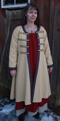 Different coat from the same Swedish website as the scooped neck coat.