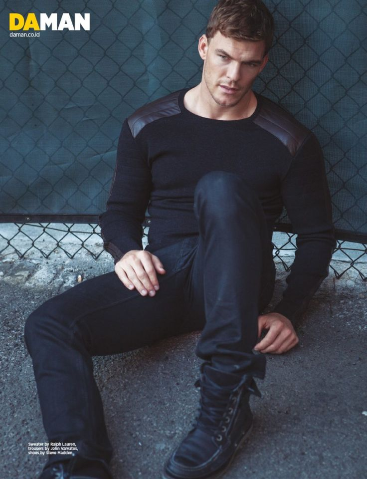 Alan Ritchson from The Hunger Games: Catching Fire. Check DA MAN for the interview and more photos. Also check him out being a ...