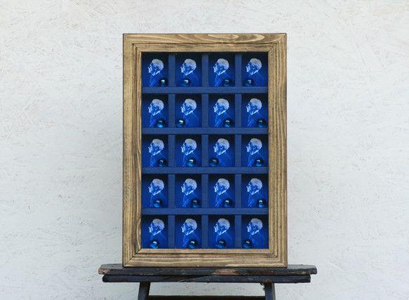 ジョセフ・コーネルのオマージュ作品です。写真は差し替えできますので、コレクションボックス、写真立て、インテリアにどうぞ。壁面に飾ることも出来ます。【 サイズ ... ハンドメイド、手作り、手仕事品の通販・販売・購入ならCreema。