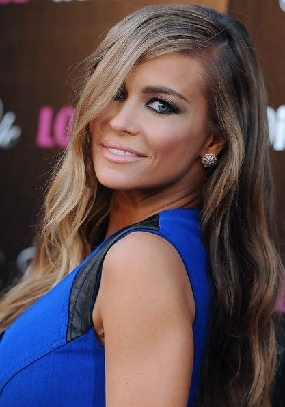 Carmen Electra's Dramatic Waves