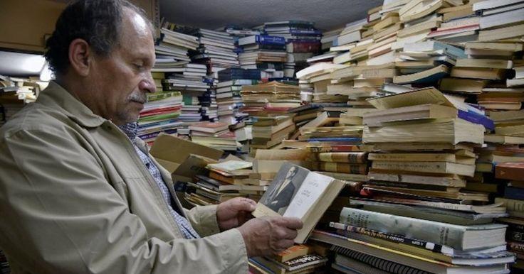 Хосе Альберто Гутьеррес, мусорщик из Боготы, создал собственную библиотеку из выброшенных на помойку книг. Его коллекция насчитывает более 20 тысяч томов. Каждый колумбийский бедняк может прийти к Хосе и бесплатно получить интересующую книгу.
