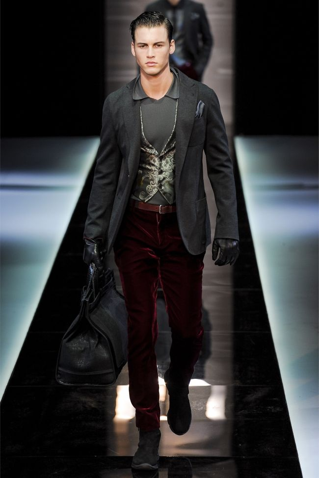 Giorgio Armani. Fall/Winter 2013/2014. Fresh men's fashion daily follow http://pinterest.com/pmartinza