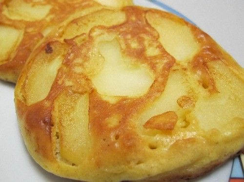 Apfelpfannkuchen -paleo/lowcarb- Rezept Frühstück, Zwischendurch - Gesund Abnehmen! Low carb, wenig Kohlenhydrate und viel Fett! Für dieses Rezept eignen sich Fette wie Butter, natives Kokosfett oder ein guter Gänseschmalz. Wir haben hier natives Kokosfett/Kokosöl verwendet, da der Geschmack sehr gut zum Kokosmehl passt. Die Pfannkuchen eignen sich hervorragend zum Frühstück, denn fast jedes Obst (der Saison) und Nussmehl (hauptsache: frisch) kann man dazu verwenden. Generell gilt: ...