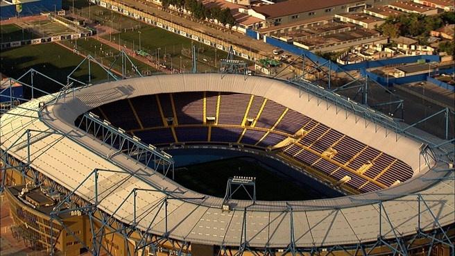 Estadio Metalist de Karkhov (60.000 espectadores) - Ingrid Irribarren.