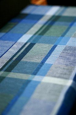 Warp once and weave a variety of these turned taquete towels just by changing your weft color! Click for the free weaving pattern and instructions!