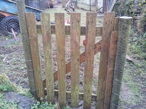 diy pallet gate