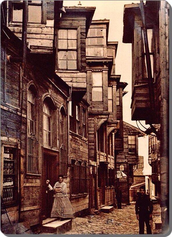 @NataliAVAZYAN: Beyoğlu (Pera) Bir sokak - 1912..