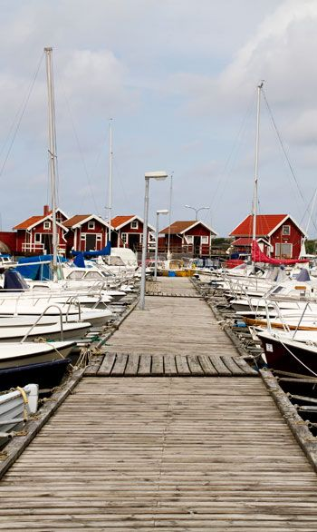I'd love to sit on this dock and watch the day go by! Hunnebostrand, Bohuslän, Sweden