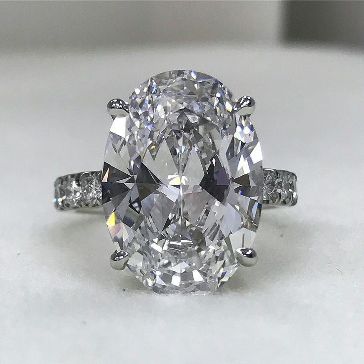 8.88 carat oval diamonds ring