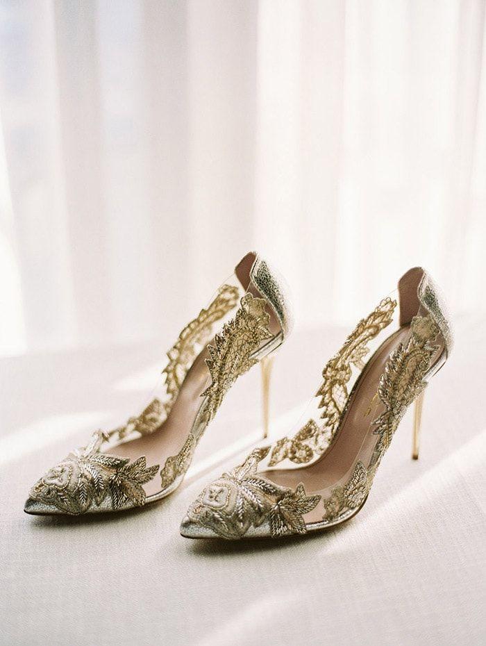 Stunning shoes for the bride by Oscar de la Renta.