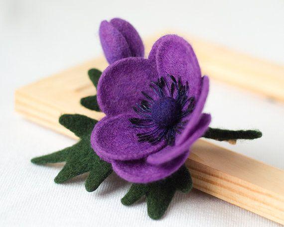 Felt Purple Flower Brooch Pin Anemone / flower brooch by TaniaFelt