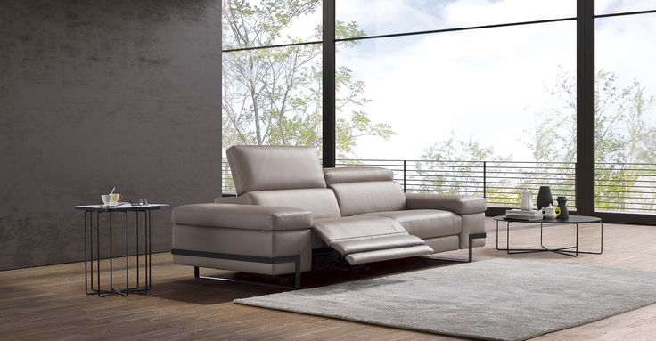 POLODIVANI Attention to detail, sophistication and simple precise lines mix to create a balance of timeless elegance. #Sofas, #Sofasbeds, #Armchairs #MadeinItaly. Find out more here www.polodivani.it