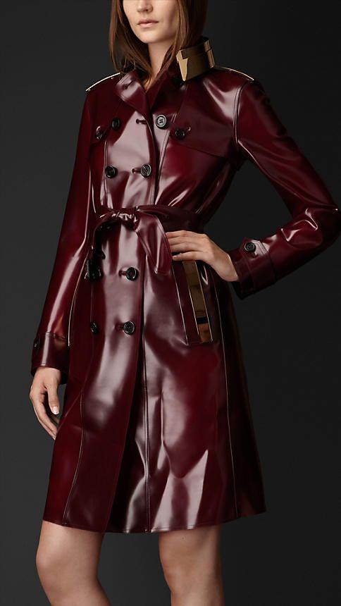 Trench-coat en caoutchouc avec plaque en métal   Burberry