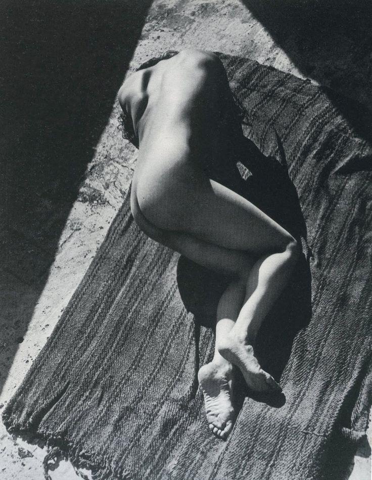 Edward Weston - Tina on the Azotea, Mexico, 1924 | via tumblr |