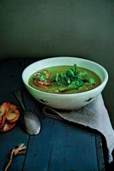 Waterkerssoep met pestocroutons uit het kookboek: Soep - bij Janneke thuis