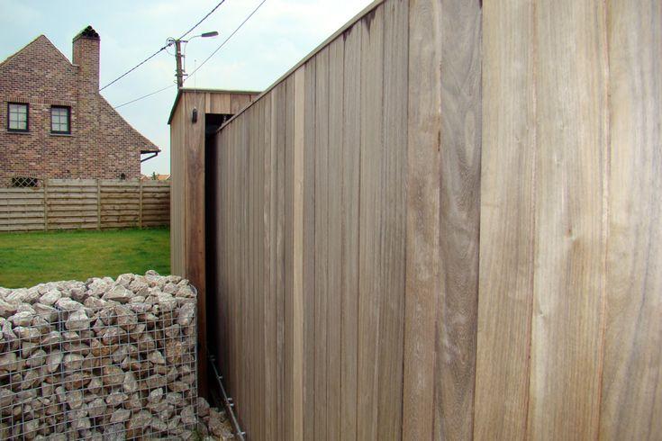 Foto van een houten poort