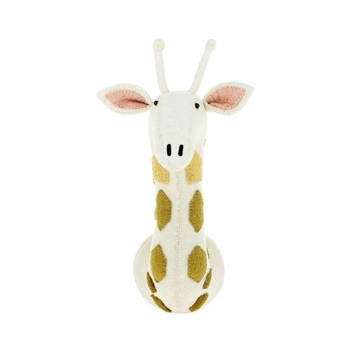 Dierenkop Giraffe met Spots Medium van Fiona Walker
