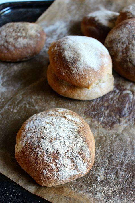 Gluten free bread with sorghum flour. Vegan. Naturligt glutenfria frallor med durramjöl (vegan)