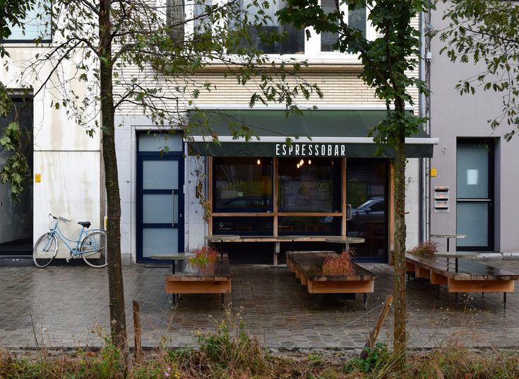 Antwerp: Caffenation and Borrowed Ice Cream At Broer Bretel