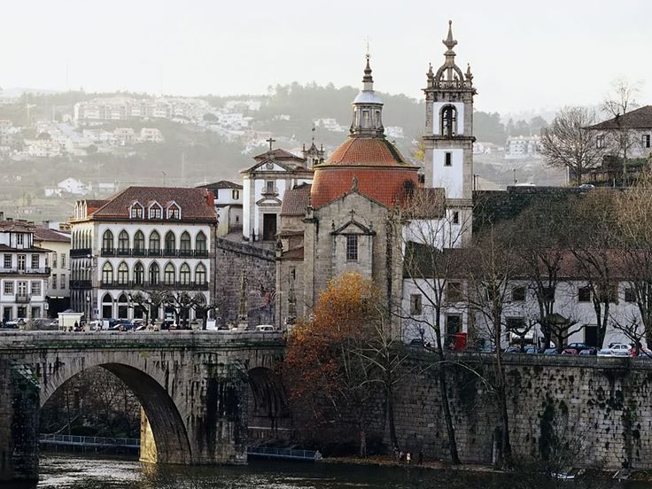 Well-known for the wild beauty of nature and outdoor activities, Amarante is one of the most beautiful rural towns in Portugal, beautifully located between the river Tâmega and the steep slopes of Serra do Marão mountains.