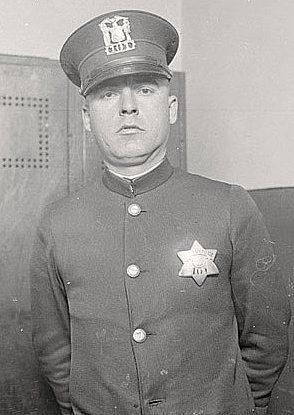 Chicago Police Officer Tony Turczynski Badge #101 ~ 1924