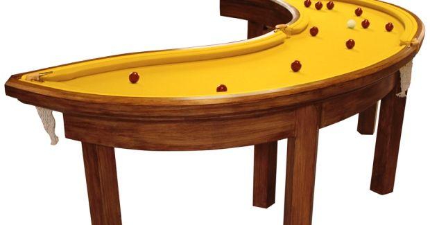 Mesa de bilhar em formato de banana