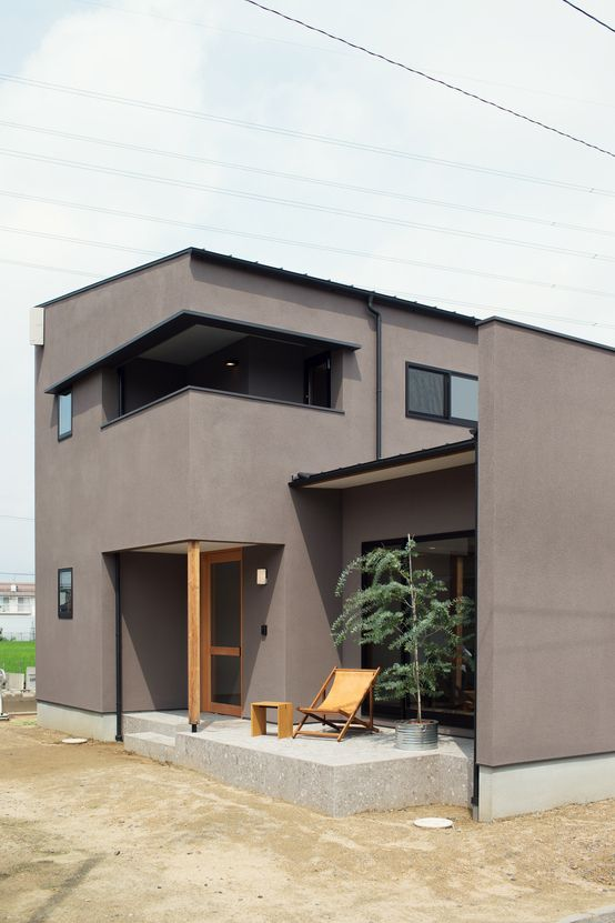 ELD INTERIOR PRODUCTS の モダンな 家 柔らかい光に包まれたらせん階段のある家