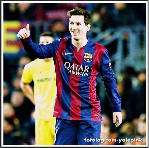 FCB 3 - 1 Vilarreal : Olá,  Hoje o Barcelona enfrentou o Vilarreal pela semi-final da Copa do Rei, e venceu por 3 x 1, com gols de Messi, Iniesta e Piqué, e Neymar ainda perdeu um pênalti, que até o momento se discute se Leo cedeu a vez pra ele bater, ou se foi decisão do próprio jogador, fato é que Messi é o cobrador oficial, mas poderia ter perdido da mesma forma que Neymar perdeu, então isso não deve ser motivo de ...