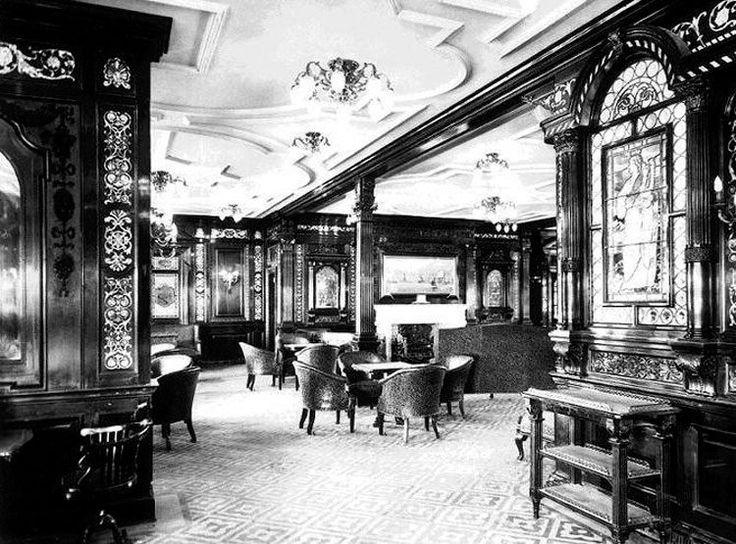"""Fotografía real del interior del famoso trasatlántico """"Titanic"""".  Sala de fumadores de primera clase."""