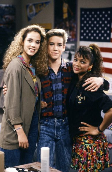 BELL 'Screech's Woman' Episode 5 Air Date Pictured Elizabeth Berkley as Jessie Spano MarkPaul Gosselaar as Zachary 'Zack' Morris Lark Voorhies as...